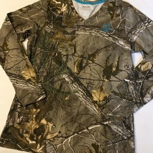Realtree women's camo v-neck long sleeve L
